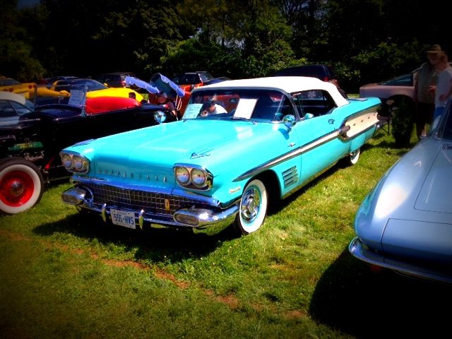 NOTL Realty | Niagara on the Lake | Classic Car