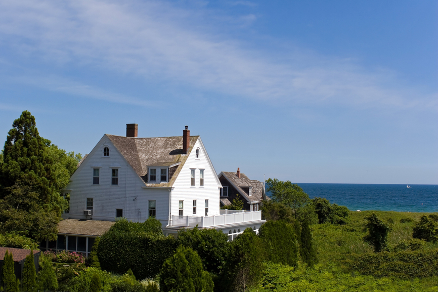 Niagara on the lake offers outstanding vacation properties for sale.